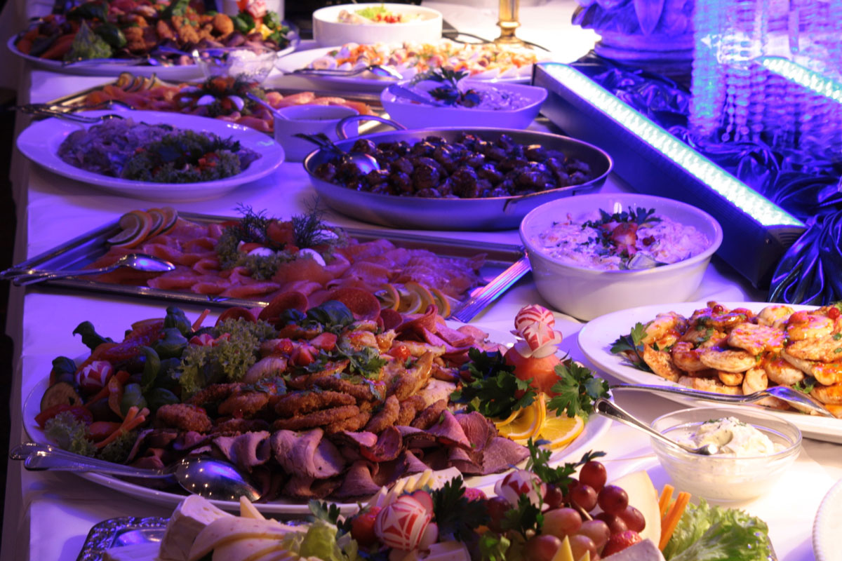 Boardparty, Buffet auf dem Partyboot Hamburg